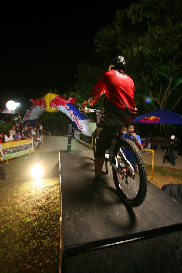 Red Bull Dark Knights -at the start - photo credit Leong