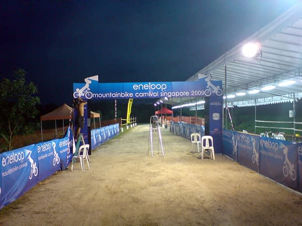 Shaiful fixing up the Eneloop MTB Carnival start arch
