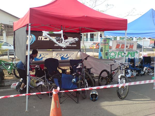 The AG Suspension tent at the Mt Austin JB Race